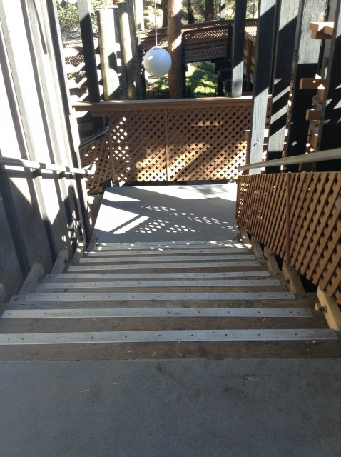 Small flight of stairs down to vista room