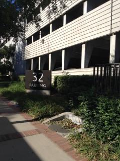 Parking lot 32