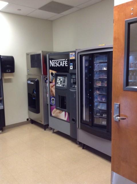 Vending Machine (Food & Drink)
