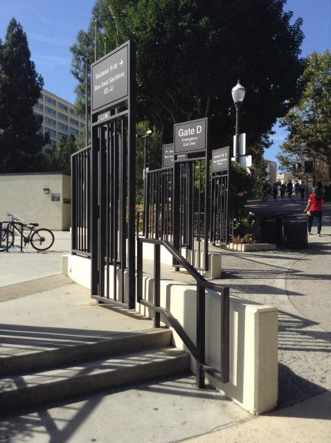 Gate D entrance on Bruinwalk